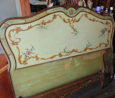 14D211110 VENETIAN STYLE FULL SIZE BED AND RAILS