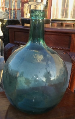 16J05066 SMALL ROUND BOTTLE.jpg