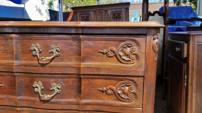 16J05067 DARK OAK 5 DRAWER COUNTRY FRENCH CHEST (2).jpg