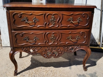 16J05068 2 DRAWER LONG COUNTRY FRENCH CHEST (1).jpg