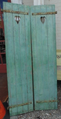 14D21102 TALL GREEN SHUTTERS PAIR