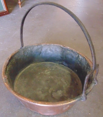 14D22019 COPPER AND IRON JAM POT