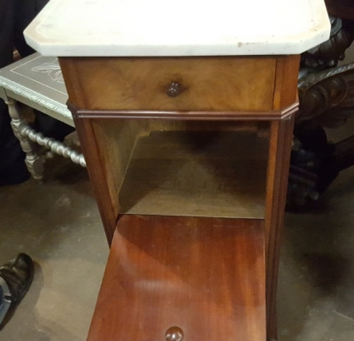 16K16  LOUIS PHILIPPE MARBLE TOP STAND (2).jpg