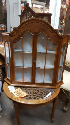 16K16 ARCHED TOP WALL CABINET.jpg
