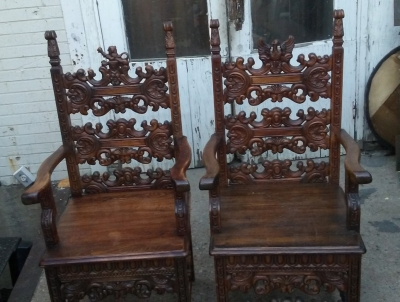 16K16 PAIR OF HERALDIC CARVED ARM CHAIRS (4).jpg