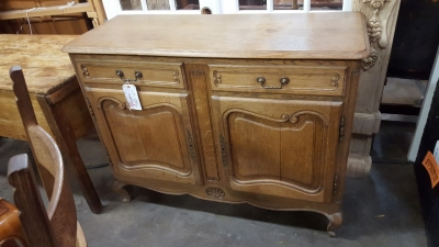 GRP STRIPPED LOUIS XV SERVER.jpg