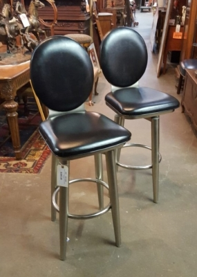 16K15 PAIR OF BAR STOOLS.jpg