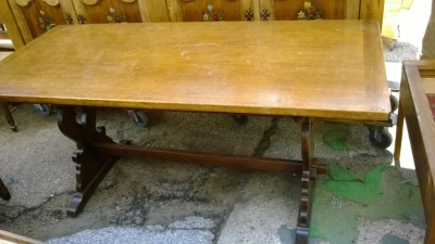 14D22009 FRENCH OAK FARM TRESTLE TABLE