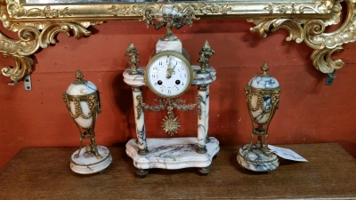 MARBLE CLOCK AND GARNITURES.jpg