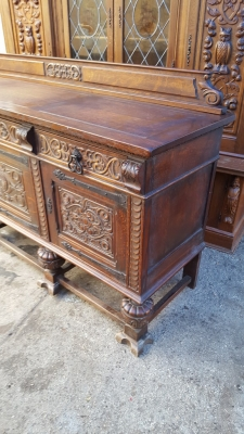 17A01 ENGLISH TUDOR SIDEBOARD (3).jpg