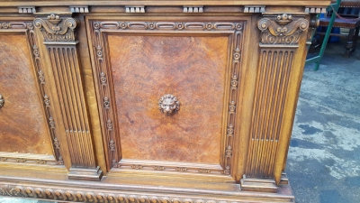 17A01 LARGE PAW FOOT SIDEBOARD WITH LION HEADS (2).jpg