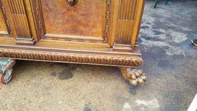 17A01 LARGE PAW FOOT SIDEBOARD WITH LION HEADS (3).jpg
