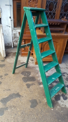 17A01 PAINTED ENGLISH LADDER.jpg