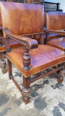 17A01 SET OF 6 LARGE TUDOR CHAIRS (2).jpg