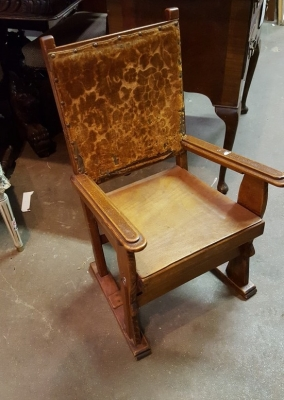 17A01 ARTS AND CRAFTS CHILDS CHAIR.jpg