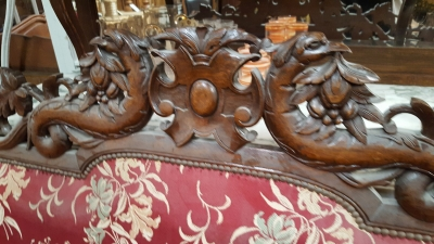 BARLEY TWIST SETTEE WITH GRIFFINS (2).jpg
