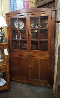 EARLY KENTUCKY COUNTRY CORNER CABINET  (1).jpg