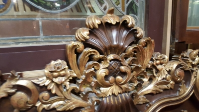 LARGE CARVE ITALIAN BED (2).jpg