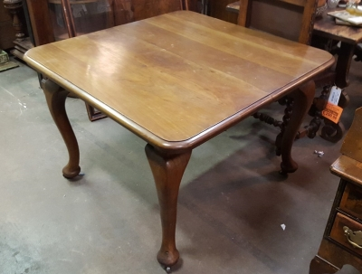 QUEEN ANNE DINING TABLE.jpg