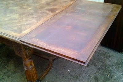 14D22004 FRENCH BRITTANY OAK FIGURAL DINING TABLE