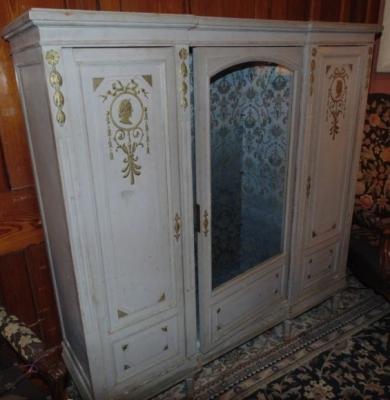painted vitrine.JPG
