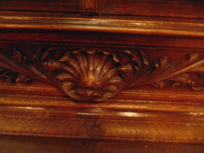 14D22023 CARVED OAK BARLEY TWIST FRENCH BOOKCASE (2).JPG
