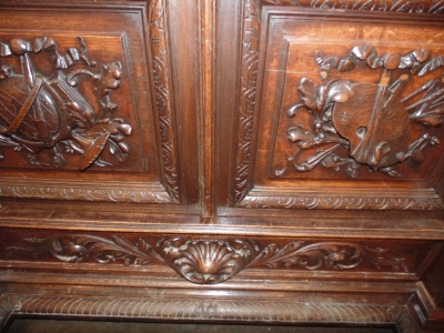 14D22023 CARVED OAK BARLEY TWIST FRENCH BOOKCASE (3).JPG