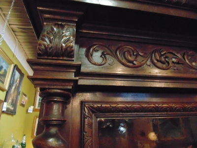 14D22023 CARVED OAK BARLEY TWIST FRENCH BOOKCASE (12).JPG