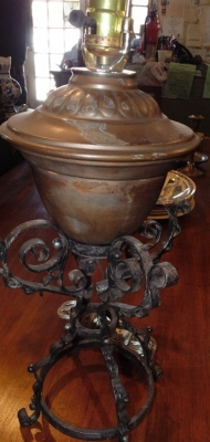 14D21108 COPPER AND IRON LAMP.JPG