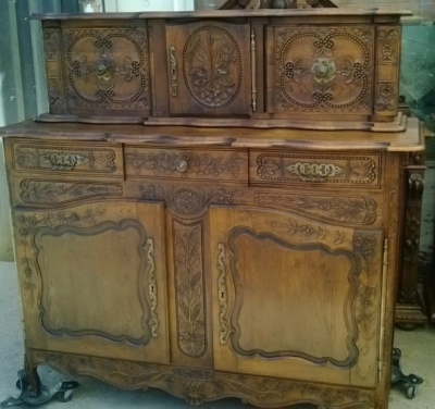 14E01011 FRENCH SERVER WITH BREAD BOX FINELY CARVED (2).jpg