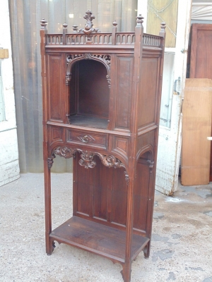 14B04001 GOTHIC ALTER CABINET (1)