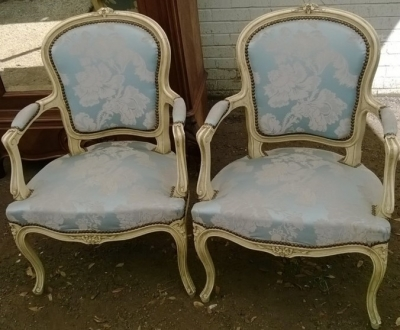 14E01014 PAIR FAUTEIL CHAIRS (1).jpg