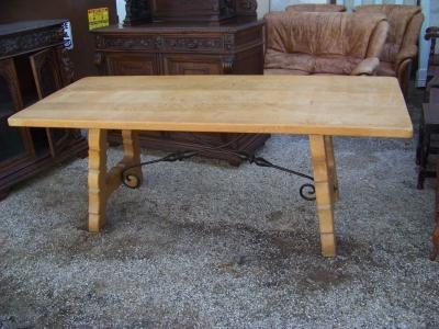 13A15081 Spanish Iron Base Trestle Table  (1).JPG