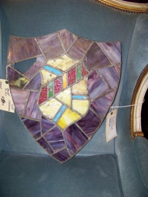 13B04505 PURPLE CREST STAINED GLASS WINDOW.JPG