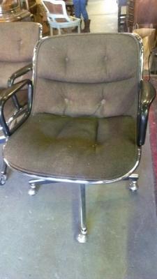 13b25316 and 13b25317 Knoll Office Chair.jpg