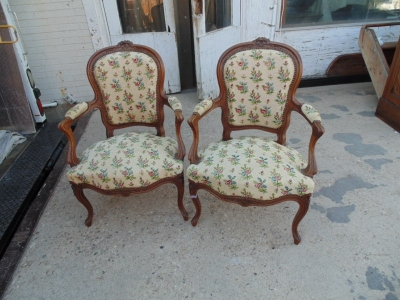 13C07003 PAIR OF LOUIS XV ARM CHAIRS (2).JPG
