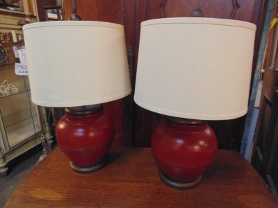 13D08452 PAIR SQUAT RED POTTERY LAMPS.JPG