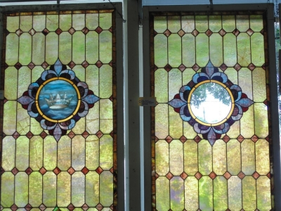 13D29602 AND3 LARGE CROWN WINDOW WITH WINDOW MISSING CENTER.JPG