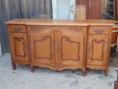 14B04011 CARVED LOUIS XV OAK SIDEBOARD  (1)