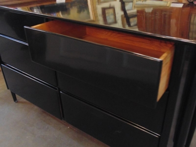 13F24652 Black Lacquer Dresser (4).JPG
