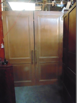 13G01280 PAIR OF HUGE PINE PANELED DOORS (1).JPG