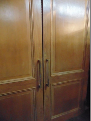 13G01280 PAIR OF HUGE PINE PANELED DOORS (2).JPG