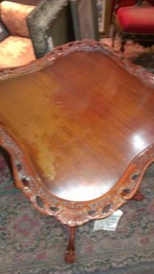36 74832 mahogany pedestal table top needs refinish (1).jpg