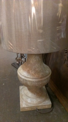 14E19600 SAMPLE OF HUGE SHIPMENT OF LAMPS AND SCONCES (4).jpg