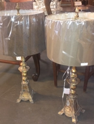 14E19600 SAMPLE OF HUGE SHIPMENT OF LAMPS AND SCONCES (5).jpg