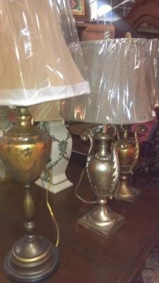 14E19600 SAMPLE OF HUGE SHIPMENT OF LAMPS AND SCONCES (11).jpg