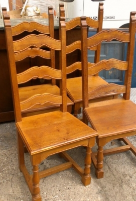 14E SET OF RUSTIC FRENCH CHAIRS