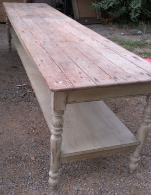 14E  LONG PINE PAINTED TABLE ORIGINAL CONDITION AND PAINT