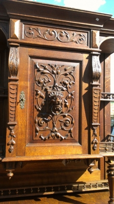 14E PAIR HUNT CABINET DETAIL