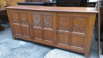 14E CARVED LINEN FOLD CABINET
